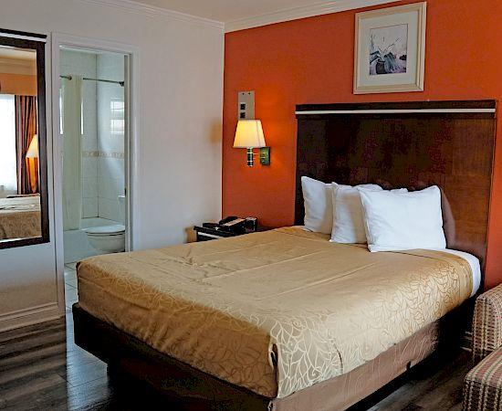Redondo Inn Suites